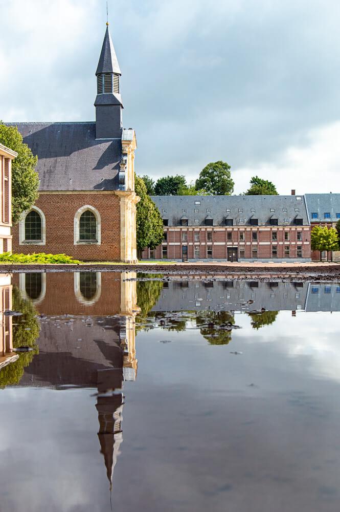 chapelle de la citadelle d'Arras et son reflet