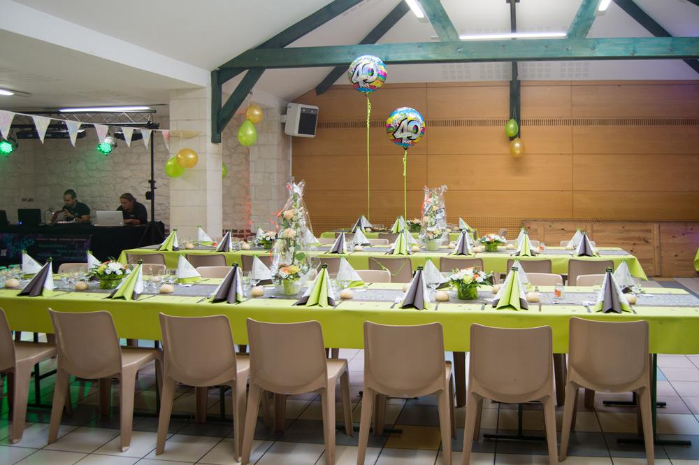 décoration table et salle pour un anniversaire