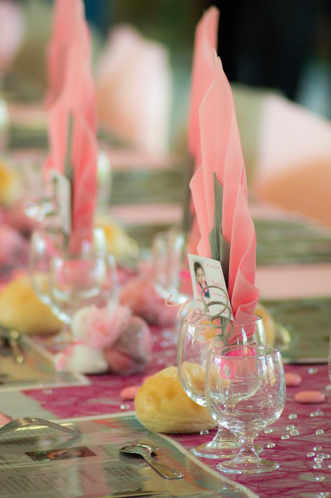 décoration de la table pour un baptême