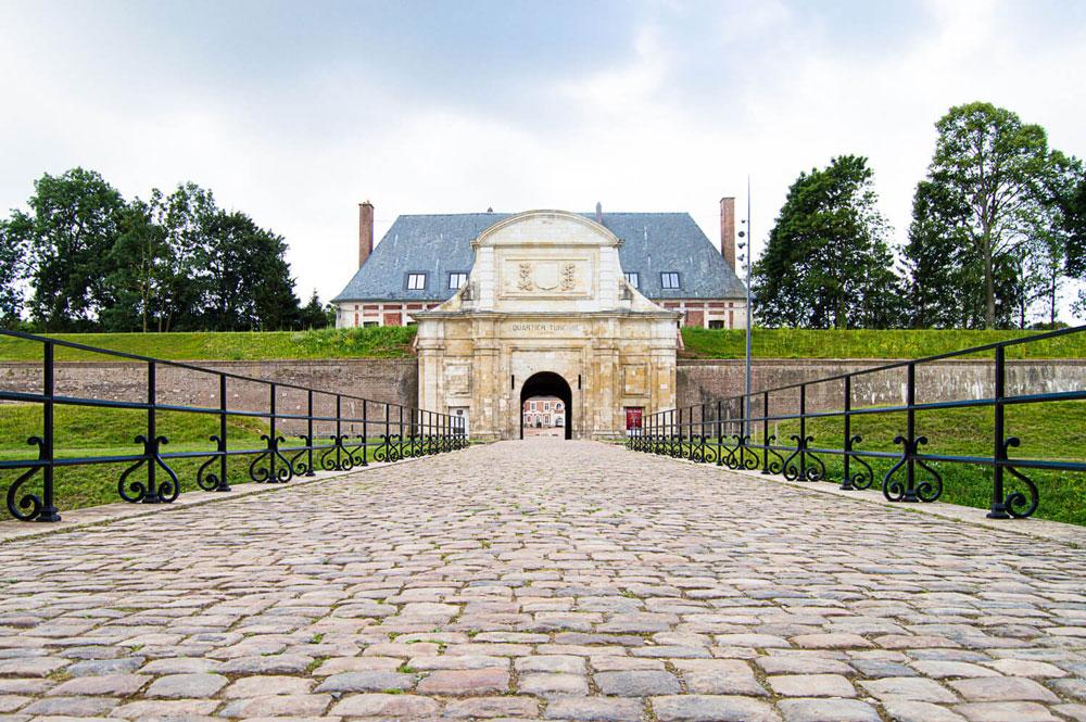 Entrée principale de la citadelle d'Arras