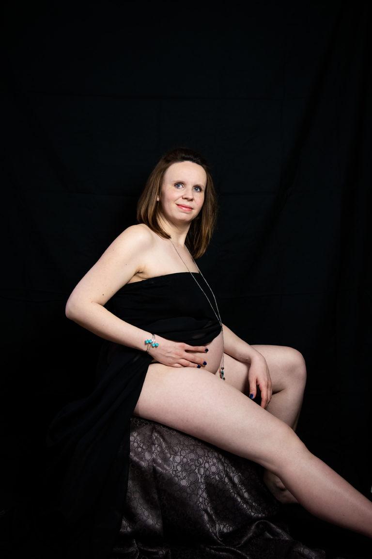 posing en séance photo grossesse